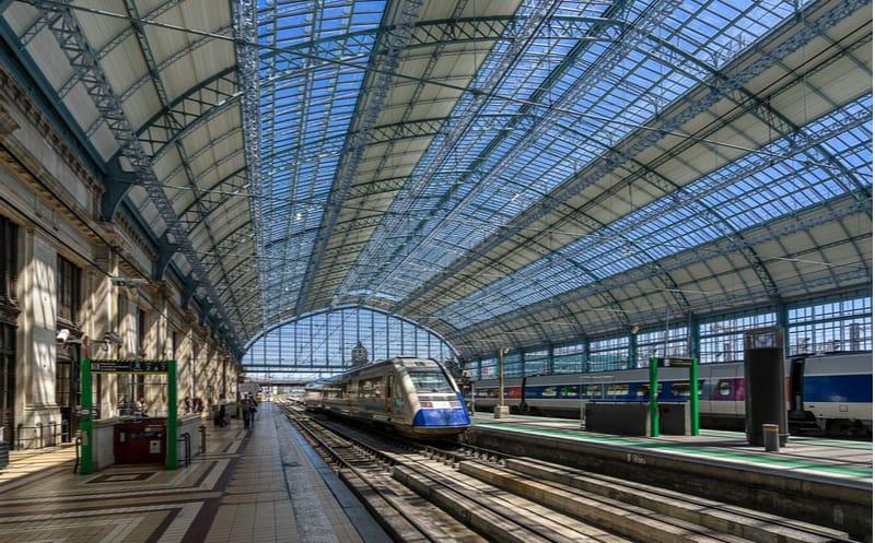 Bordeaux : le premier TGV entré en gare à 30 ans !