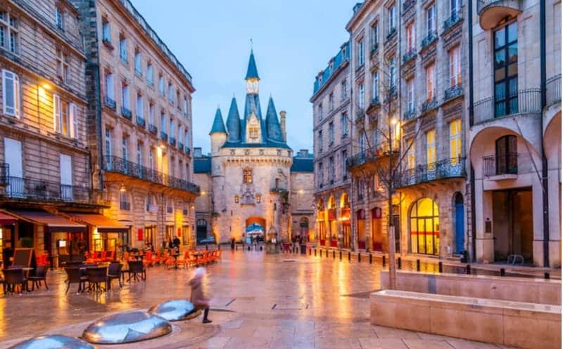 «Restez dormir à Bordeaux» : les hôtels font les prix doux