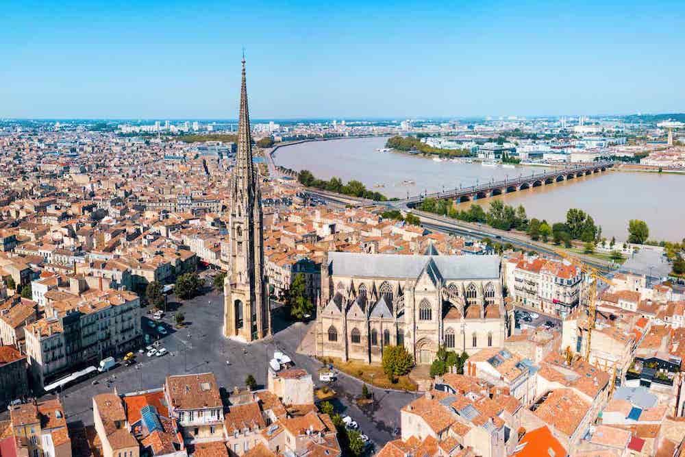 Découvrez 10 personnalités françaises connues qui sont nées à Bordeaux !
